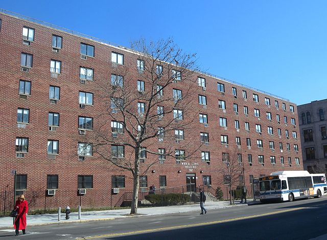 Maria Isabel Housing 787 Wales Av, E 149 St in New York  by Jim Henderson. Used under CC0 1.0. No changes made.